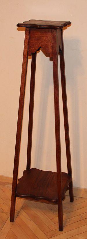 Консоль деревянная в стиле модерн