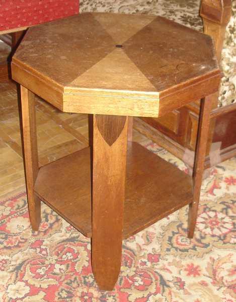 Столик восьмигранный