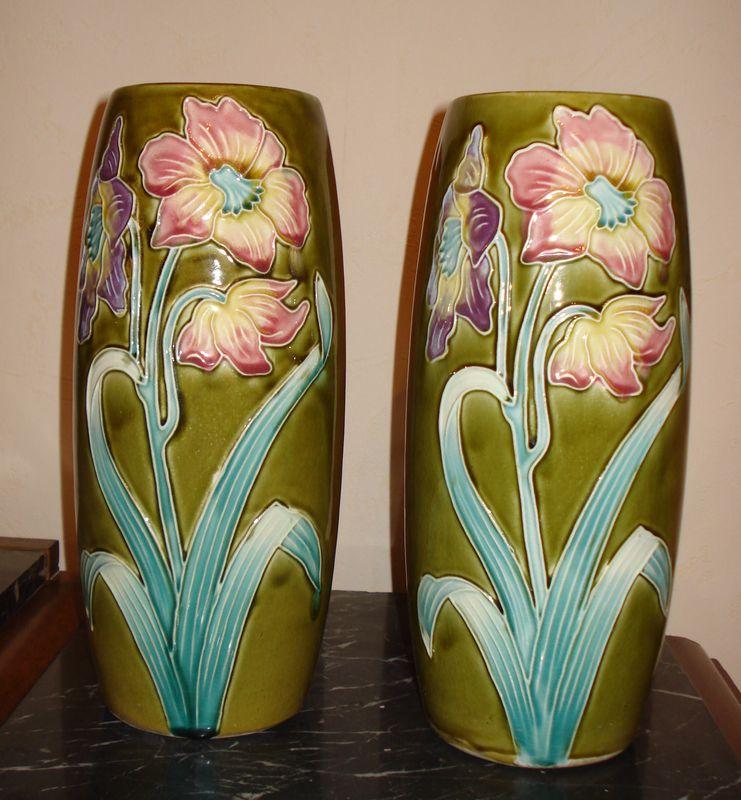 Парные вазы в модерне