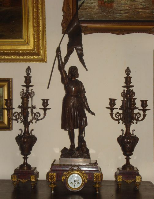 Каминные часы с канделябрами «Жанна д»Арк»