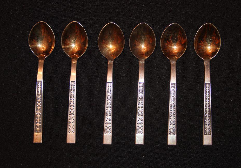 Ложки чайные серебрянные
