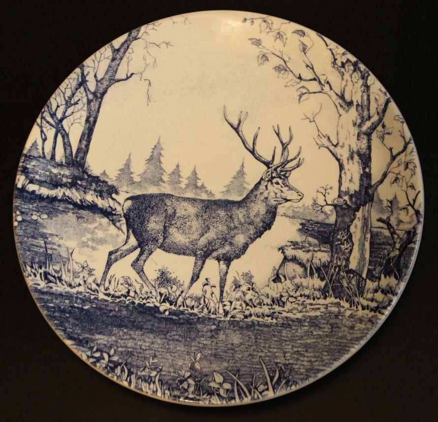 Тарелка «Олень в лесу»