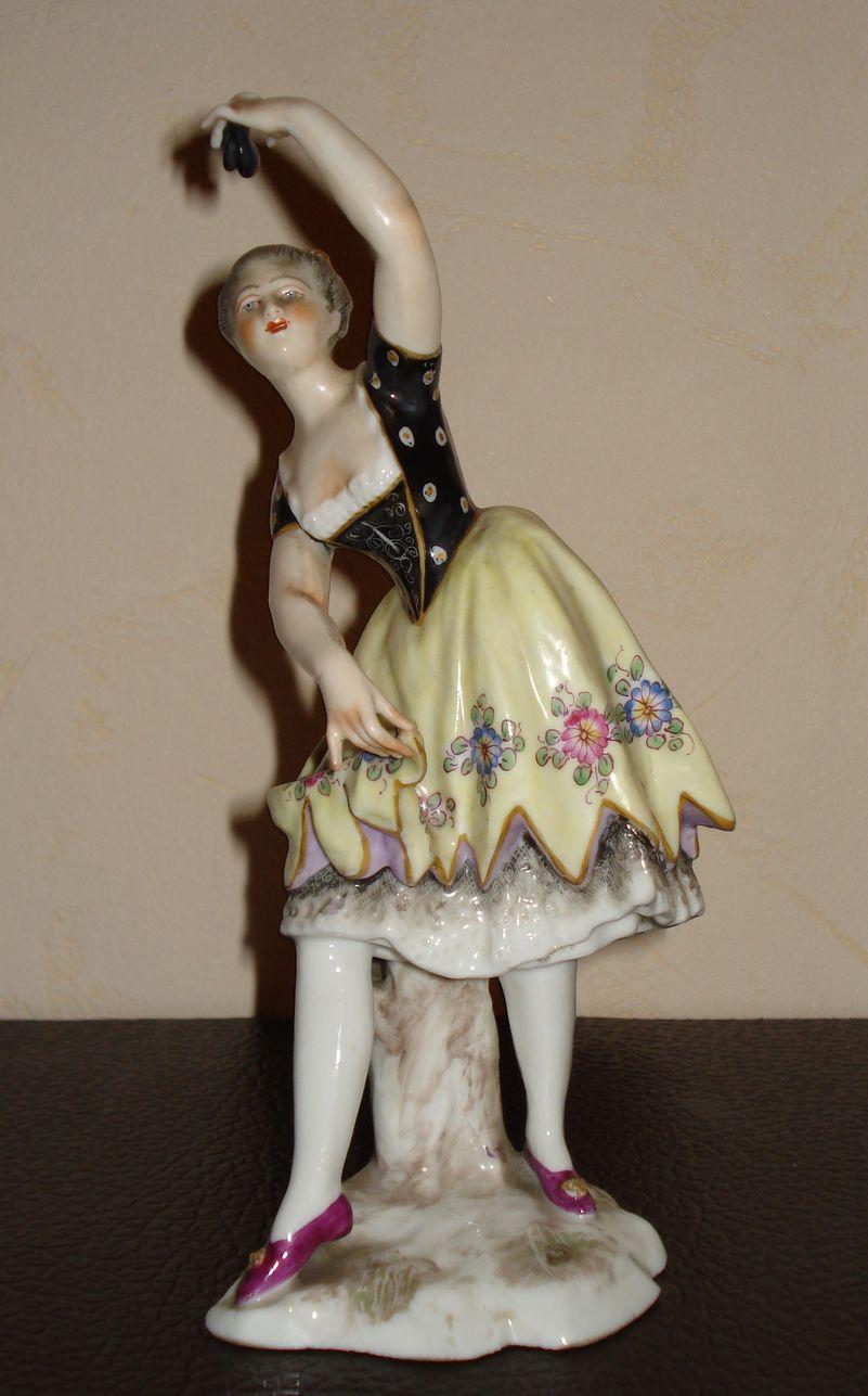 Фигурка танцовщицы